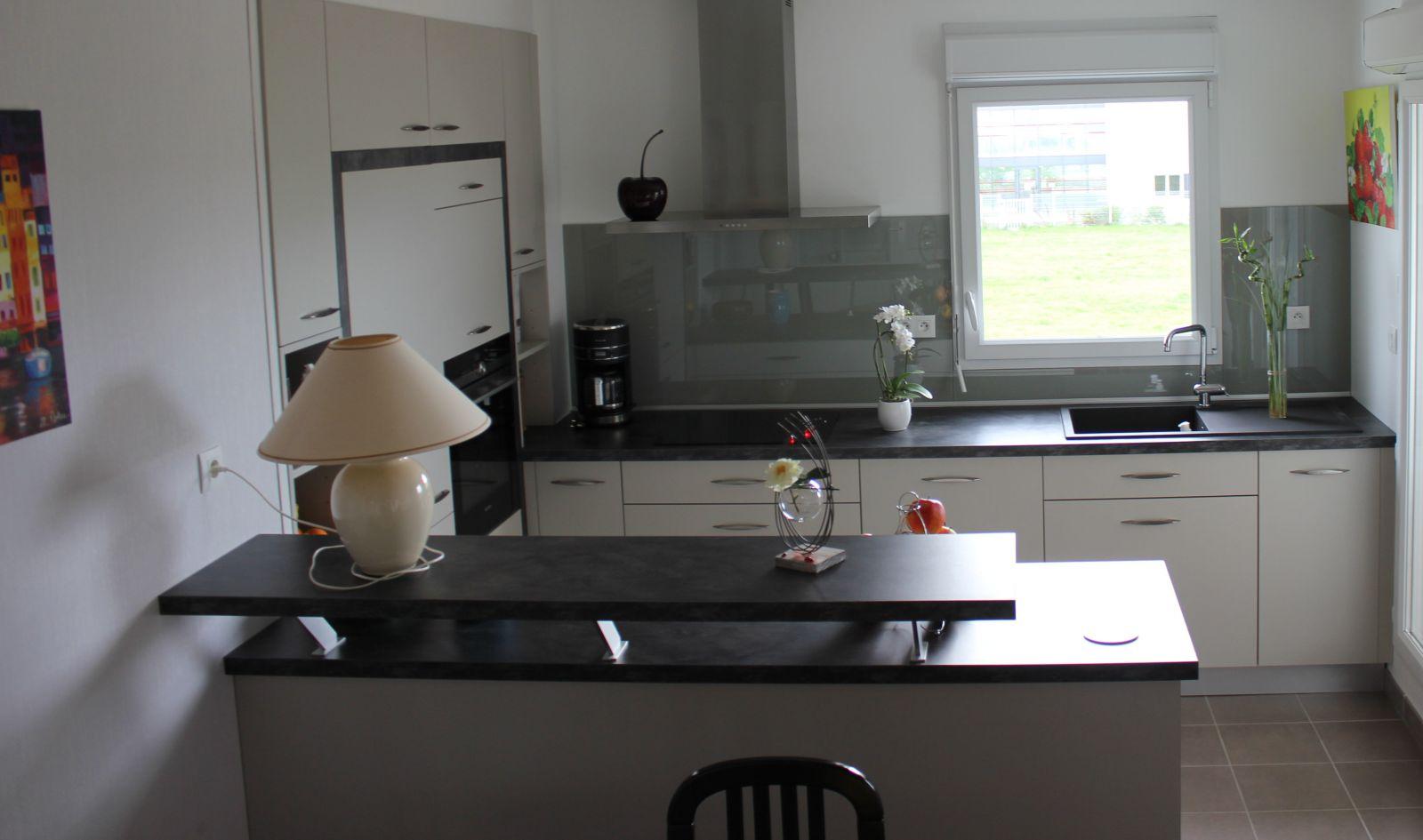 abmi. Black Bedroom Furniture Sets. Home Design Ideas